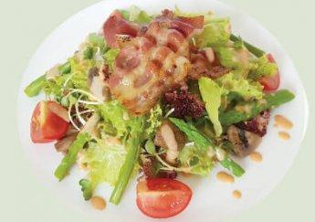 Salad bacon với măng tây cùng với xốt Thousand Island- Dressing