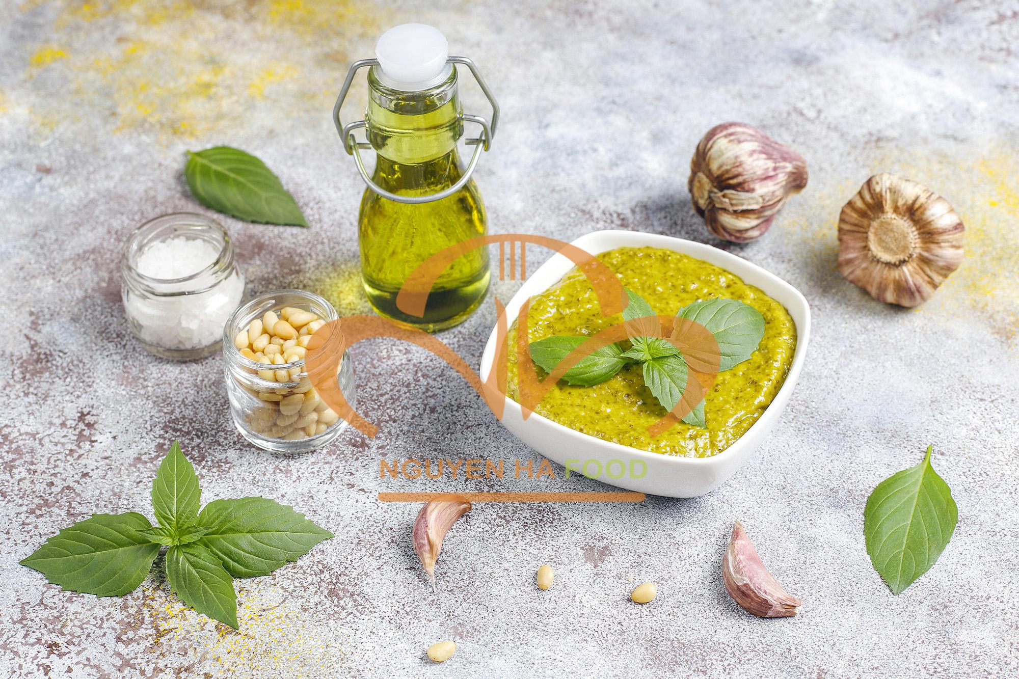 cac nguyen lieu lam nen xot pesto - basil pesto ingredients 2