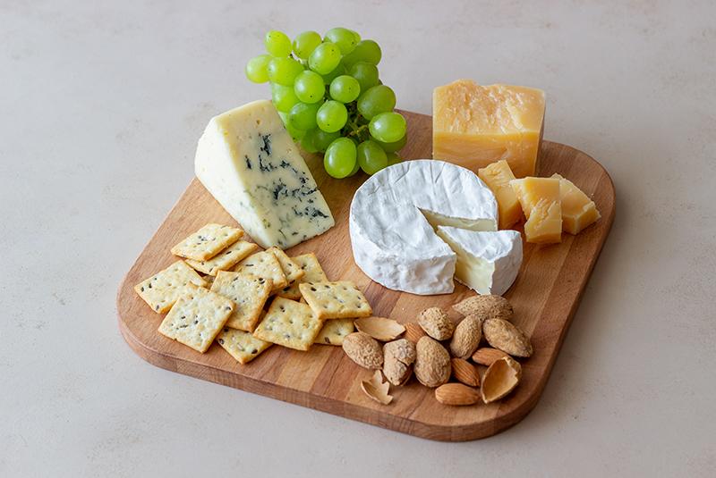 cheese-emmental-va-pho-mai-khac