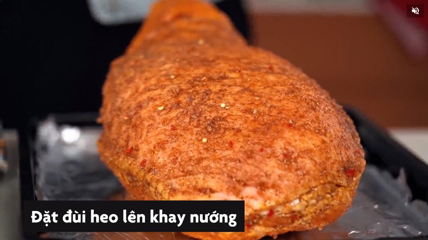 24-dui-heo-nuong-giang-sinh-nguyen-ha-food