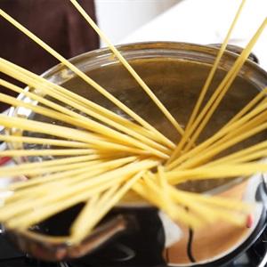 Mi-Y-Spaghetti-sot-kem
