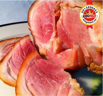bap-gio-heo-xong-khoi-chan-truoc-co-xuong-smoked-pork-feed-special-3