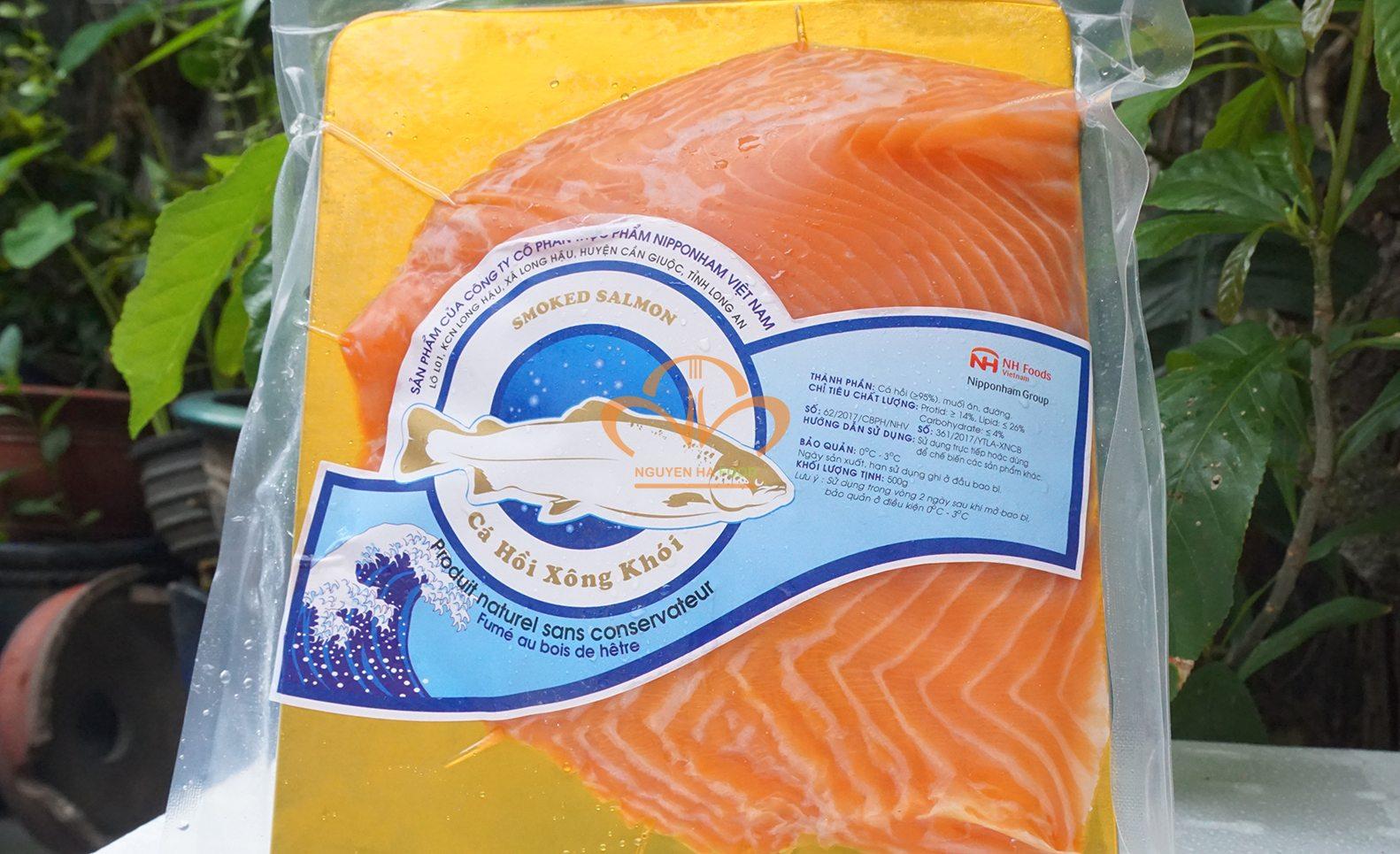 thit-ca-hoi-xong-khoi-co-nguyen-mieng-da-smoked-salmon-skin-on-2