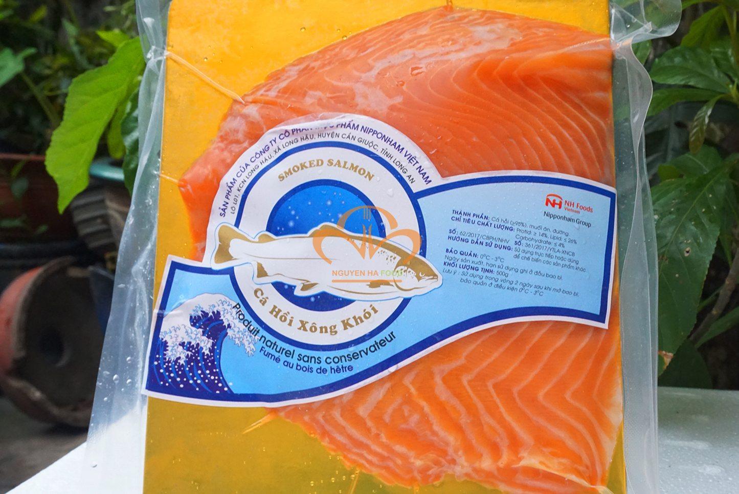 thit-ca-hoi-xong-khoi-co-nguyen-mieng-da-smoked-salmon-skin-on-3