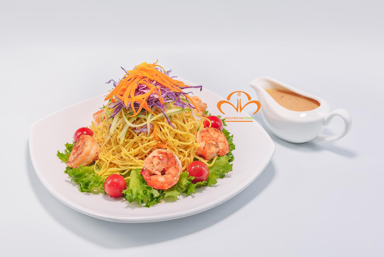Salad mì ramen