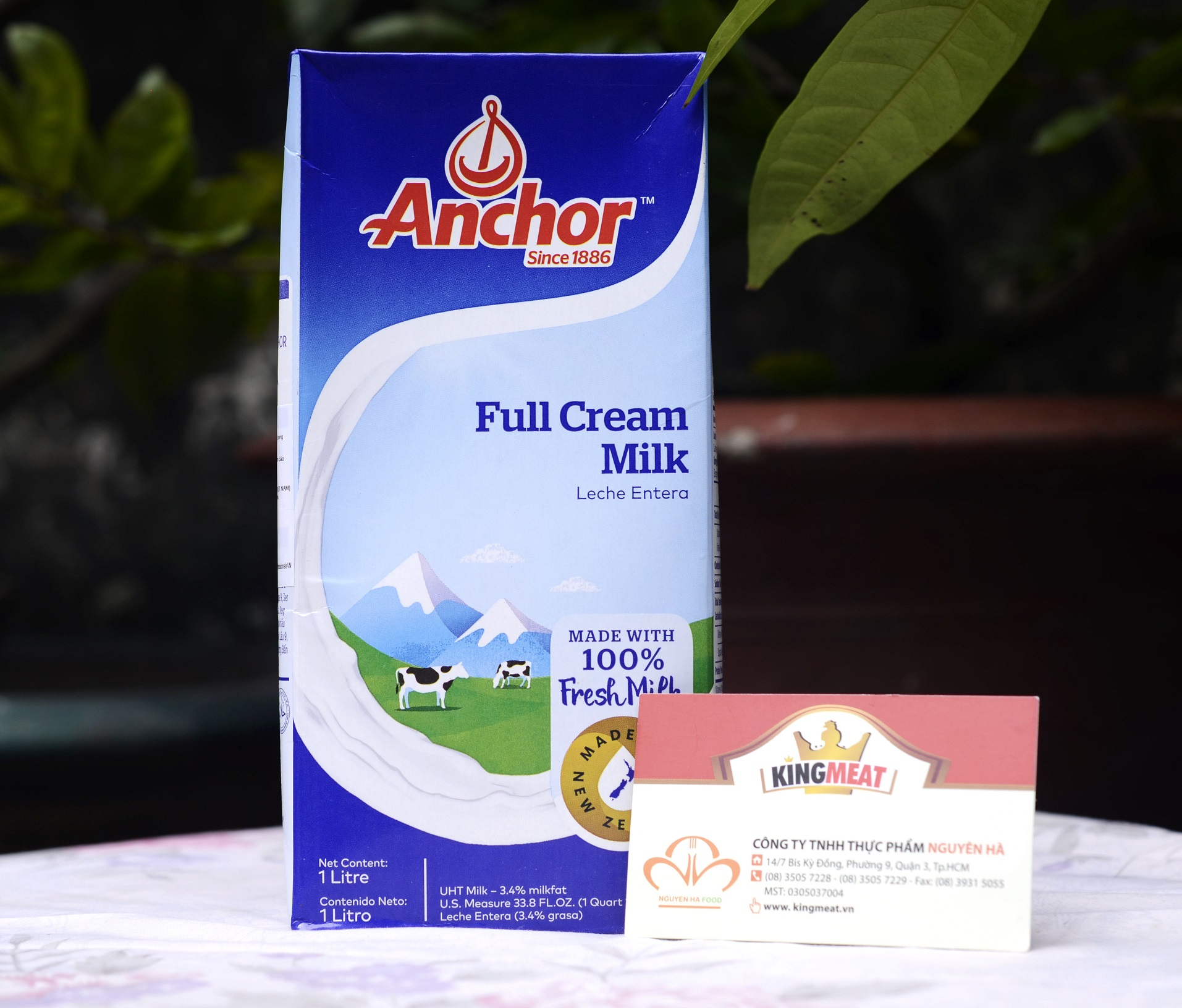 sua-tuoi-tiet-trung-nguyen-kem-anchor--anchor-uht-full-cream-fresh-milk-leche-entera--hop-1-l-01
